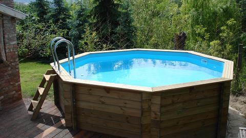 Houten zwembad buiten zwembad for Zwembad plaatsen in tuin